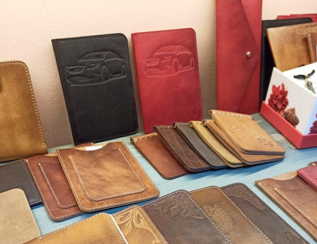 кошельки, портмоне, обложки на документы